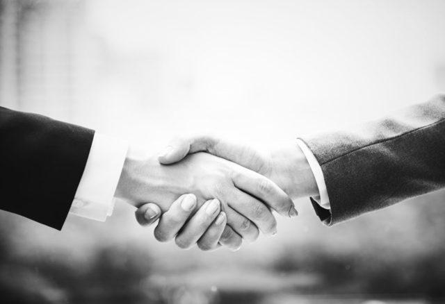 Договор о разделе имущества между супругами в 2019 году: как правильно составить?