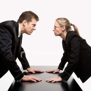 Несет ли жена ответственность за кредиты мужа в 2019 году? Если муж не платит?