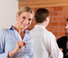 Нужно ли согласие супруга на покупку квартиры в 2019 году? Что дает согласие?