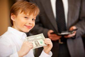 Алименты на 2 детей в 2019 году: размер, сколько процентов от зарплаты