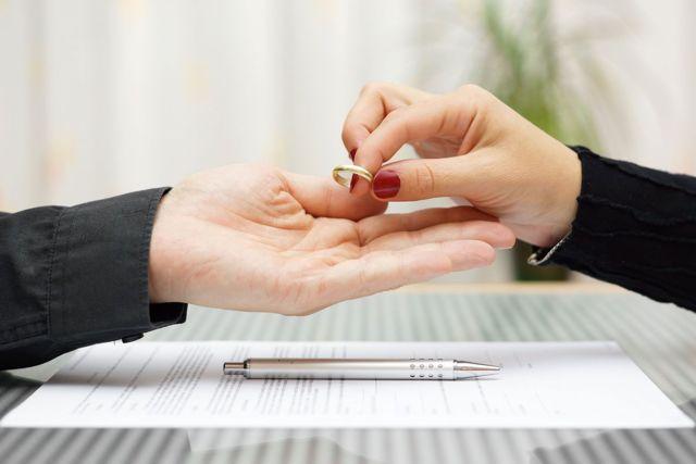 Сколько стоит развод через суд в 2019 году: госпошлины, свидетельство, юрист