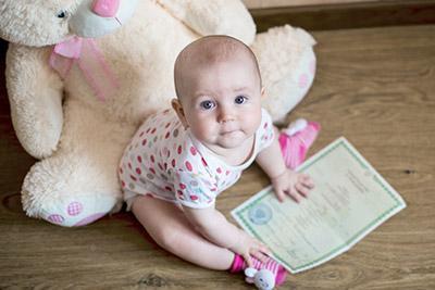 Как поменять фамилию ребенку без согласия отца в 2019 году? Можно ли?