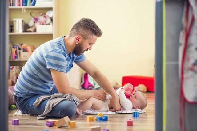 Алименты на мать в декретном отпуске и на беременную в 2019 году: как подать?