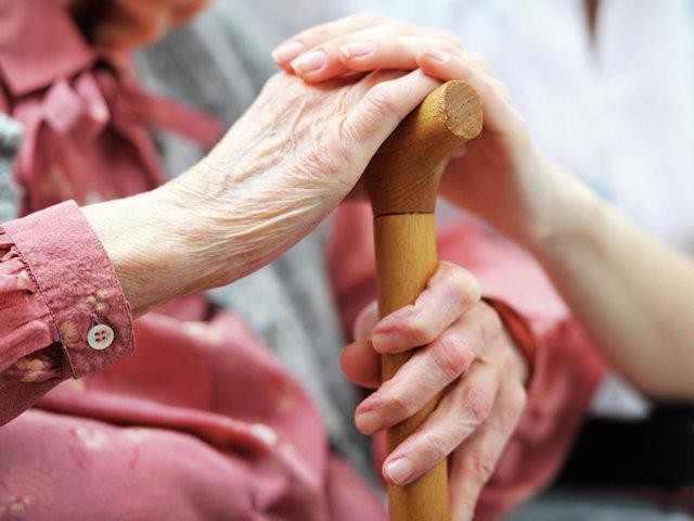 Входит ли в стаж уход за пожилым человеком старше 80 лет в 2019 году?