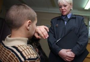 Допрос несовершеннолетнего свидетеля в 2019 году: правила и порядок