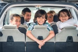 Автомобиль для многодетной семьи от государства в 2019 году: госпрограмма