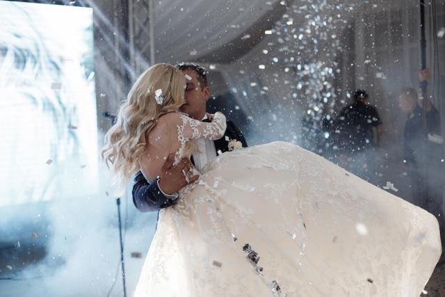 Сколько стоит выездная регистрация брака в 2019 году официально?