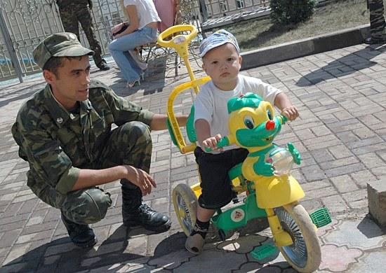 Льготы многодетным военнослужащим по контракту и их семьям в 2021 году