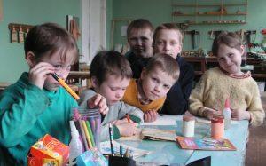 Какие выплаты положены детям сиротам в 2021? Как получить социальные выплаты сиротам