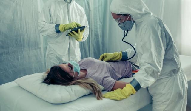 Выплаты соцработникам из-за коронавируса: кому положены, размер пособия, сроки предоставления