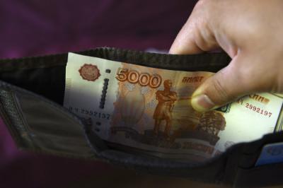 Минимальный размер пособия по уходу за ребенком увеличили в два раза: как получить и оформить новую путинскую выплату