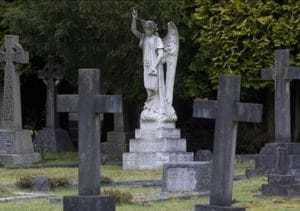 Как получить компенсацию военкомата за памятник и ритуальные услуги в 2021 году